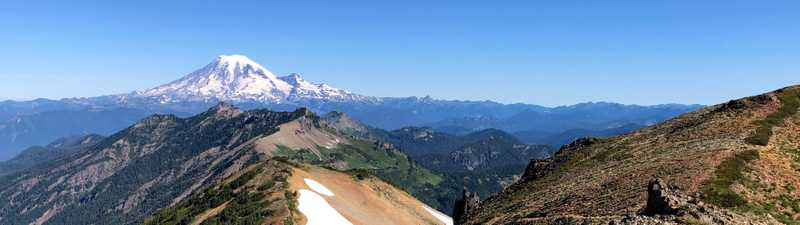 Goat Rocks on the Pacific Crest Trail with a view of Mt. Ranier