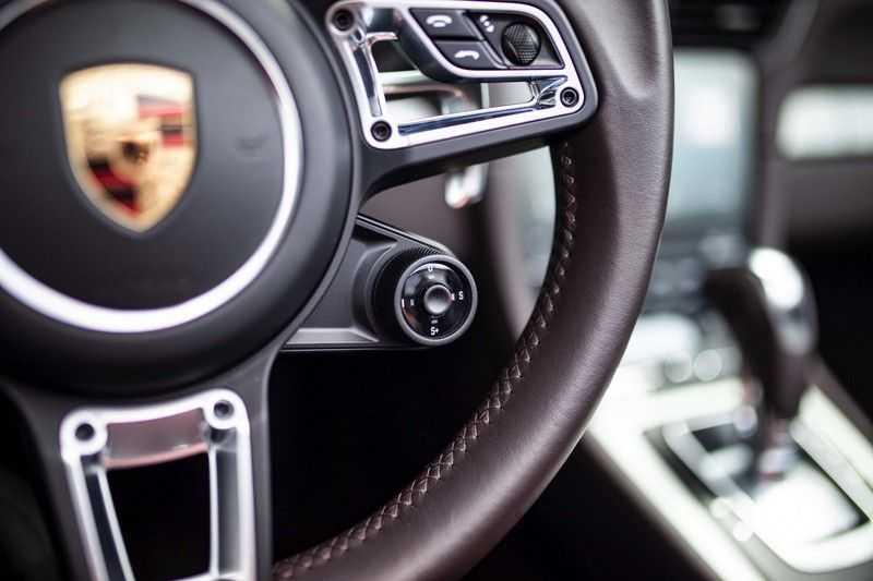 Porsche 911 Cabrio 3.0 Carrera 4S *BOSE / PDLS+ / Vierwielbest. / Sport Chrono / Sportuitlaat* afbeelding 16