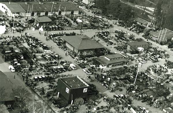 Black and white aerial photo of the trade fair ground in Wels