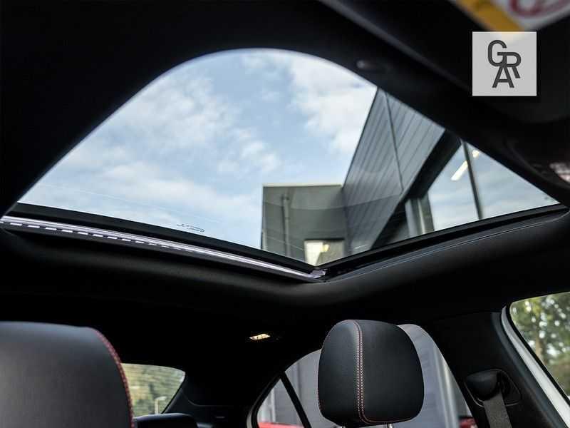 Mercedes-Benz A-Klasse A200 Launch Edition Premium Plus afbeelding 17