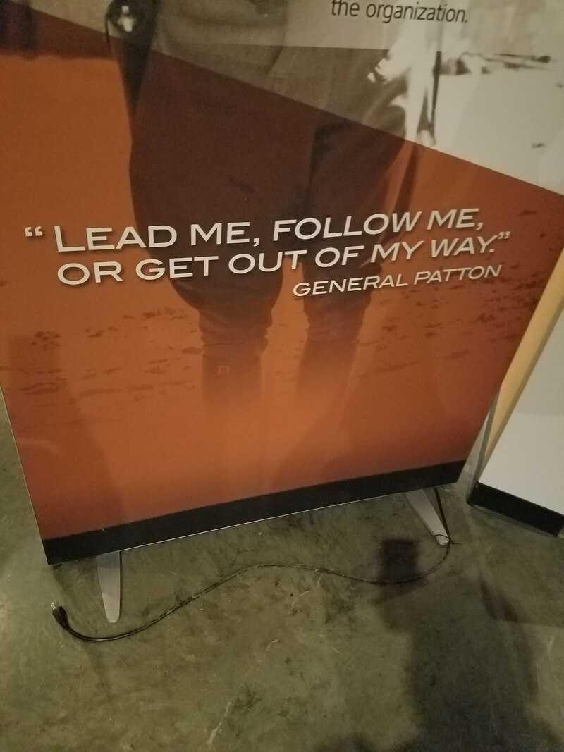 """""""Цитата генерала Пэттона: Веди меня, следуй за мной, или прочь с дороги"""""""