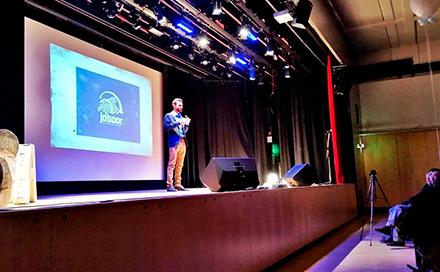 Qutaiba giving a speech at Freedom Festival Vienna