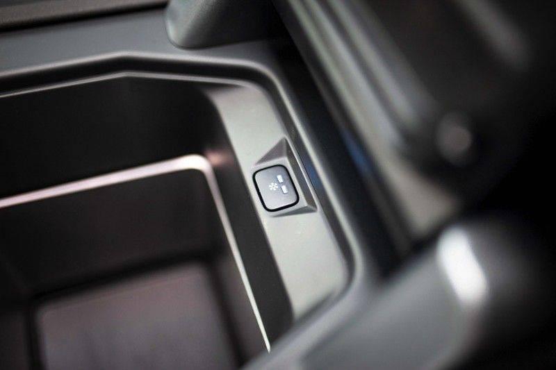 Land Rover Defender 110 2.0 D240 S 7p. *Meridian / Pano / DAB / LED / Elektr. Trekhaak / Standkachel* afbeelding 22