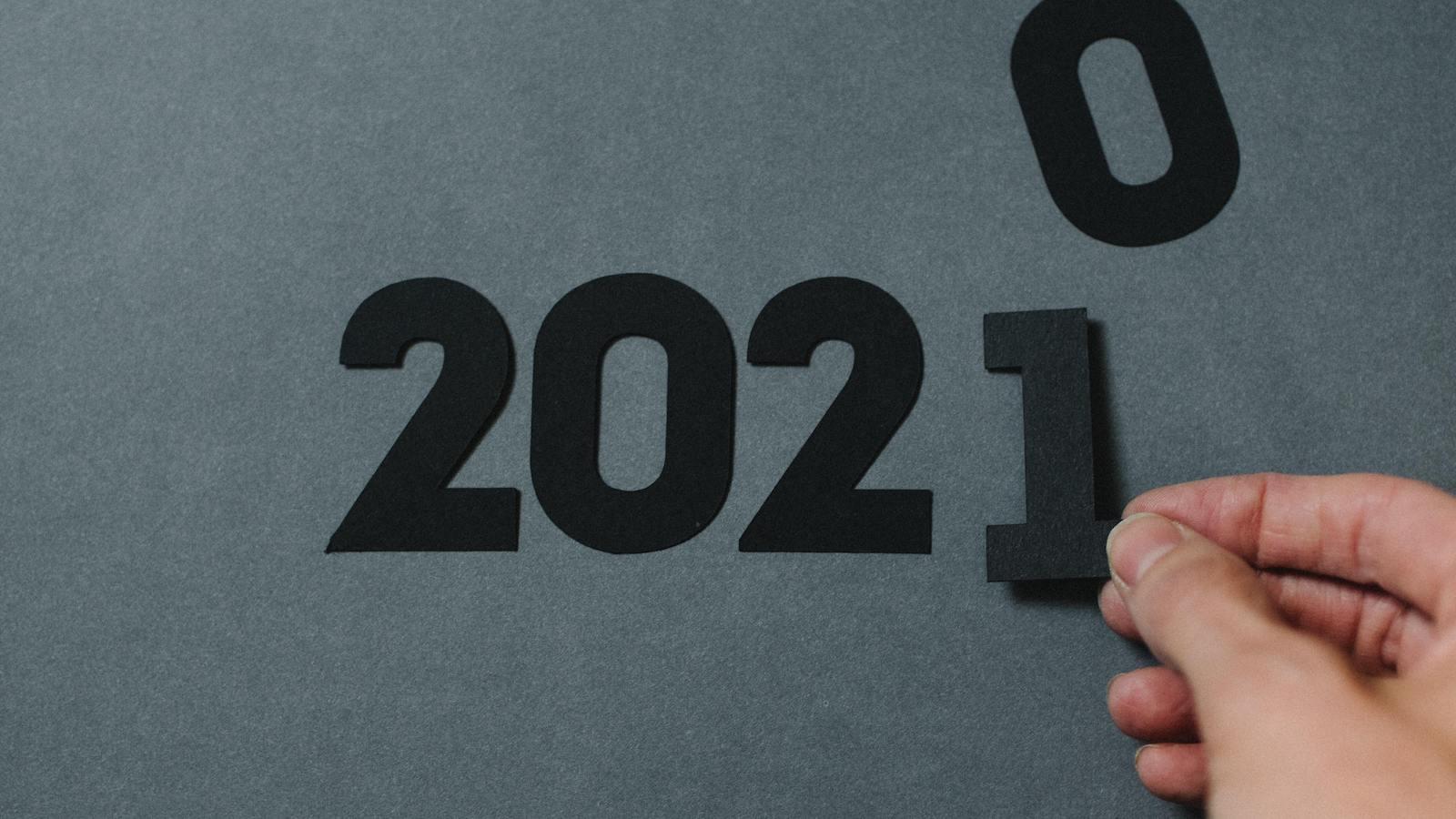Calendar flipping to 2021