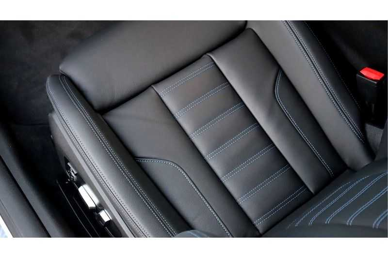 BMW 4 Serie Coupé M440i xDrive High Executive Harman/Kardon, Head Up Display, Schuifdak afbeelding 20