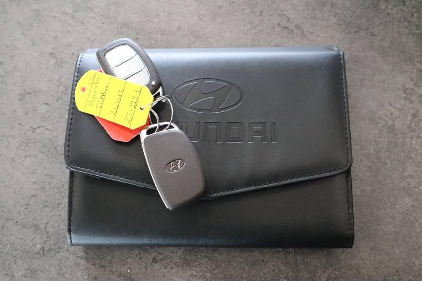 Hyundai IONIQ Comfort EV 4% Bijtelling NIEUW!! 21.116 ex. BTW Navigatie Adaptive-Cruise afbeelding 18
