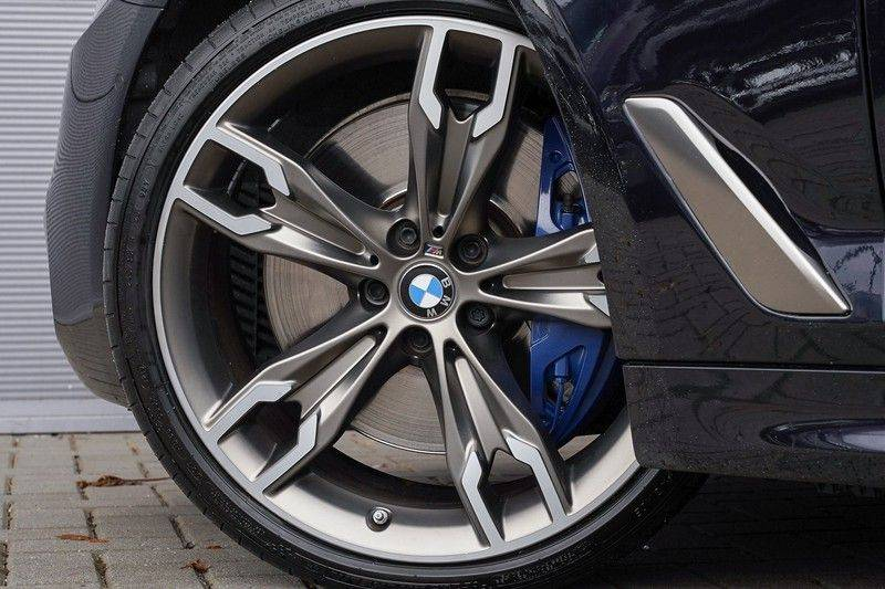 """BMW 5 Serie M550d X-Drive M-Pakket Shadow B&W Camera 360° Massage 20"""" afbeelding 14"""