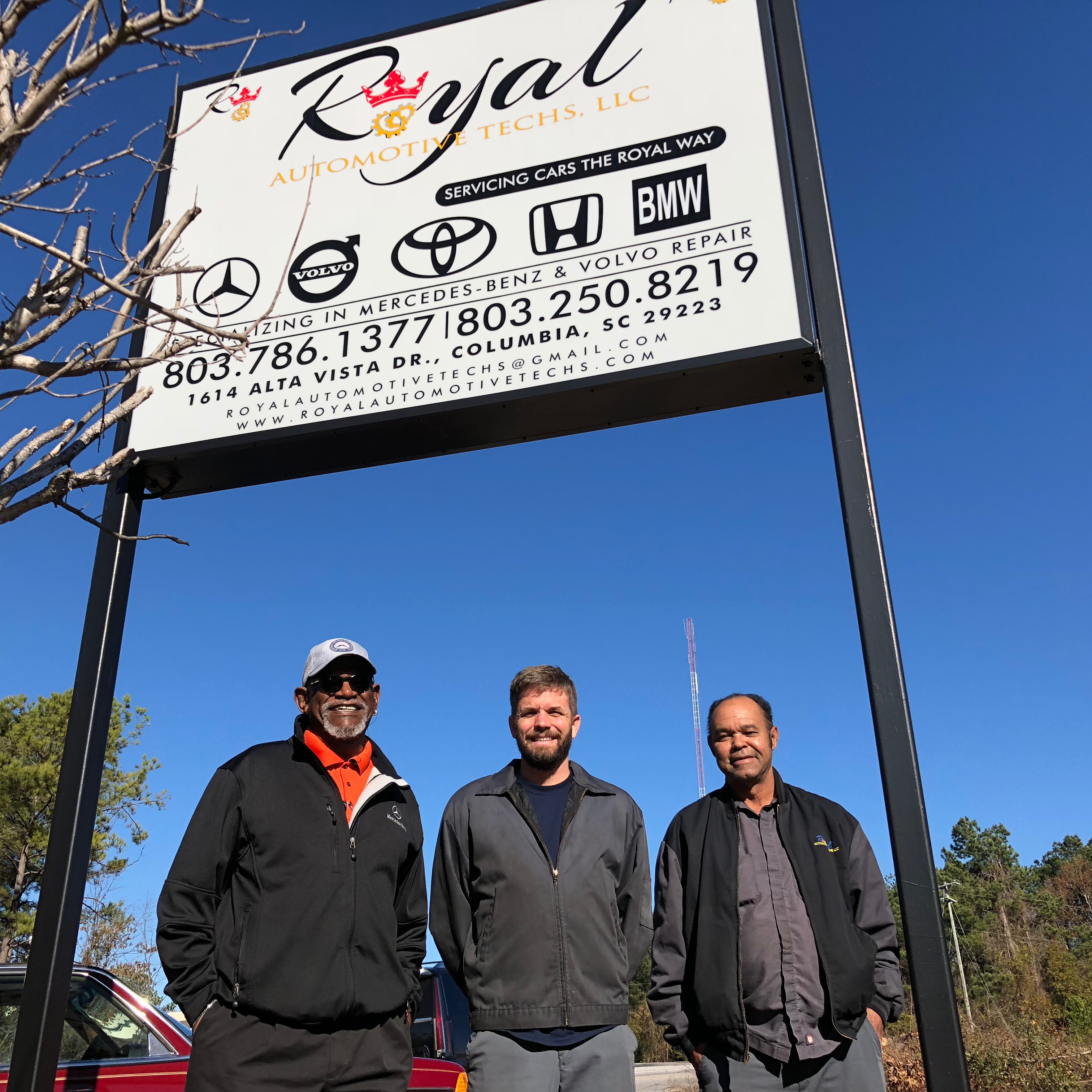 Customers from Royal Automotive - local business doing business with Optus Bank