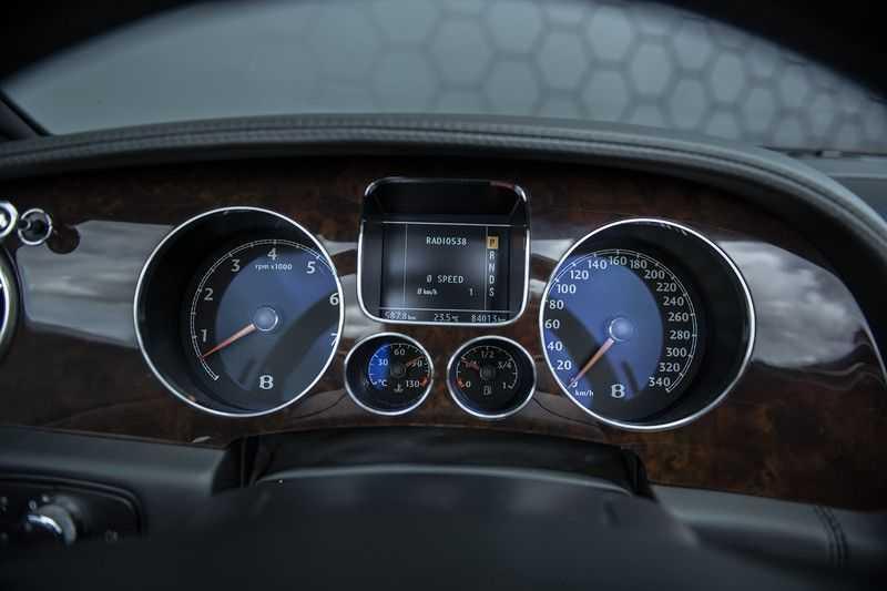 Bentley Continental GTC 6.0 W12 + Dealer onderhouden + Excellent Condition afbeelding 14
