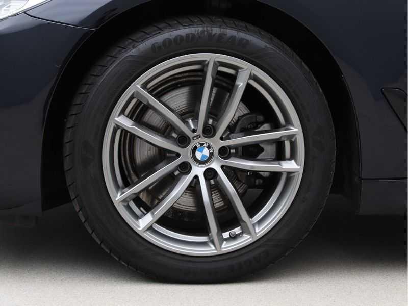 BMW 5 Serie 520i High Executive M-Sport afbeelding 16