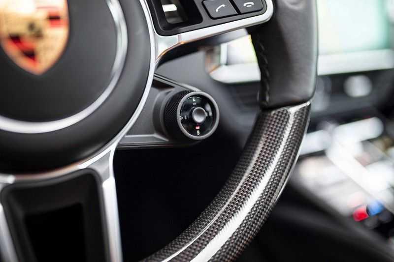 "Porsche Cayenne 3.0 E-Hybrid *Pano / BOSE / Massage / Stoelventilatie / 22"" / ACC / Sport Chrono* afbeelding 9"