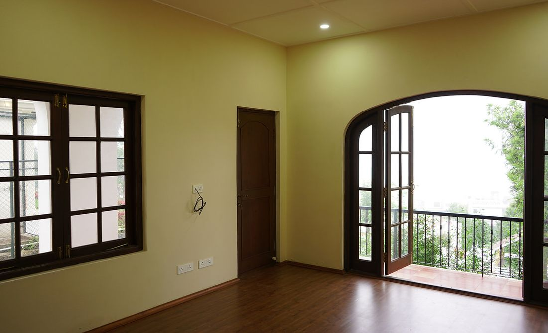 A bedroom that walks out into the lower verandah