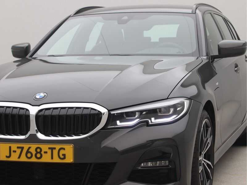 BMW 3 Serie Touring 330e PHEV High Executive M-Sport Automaat afbeelding 16