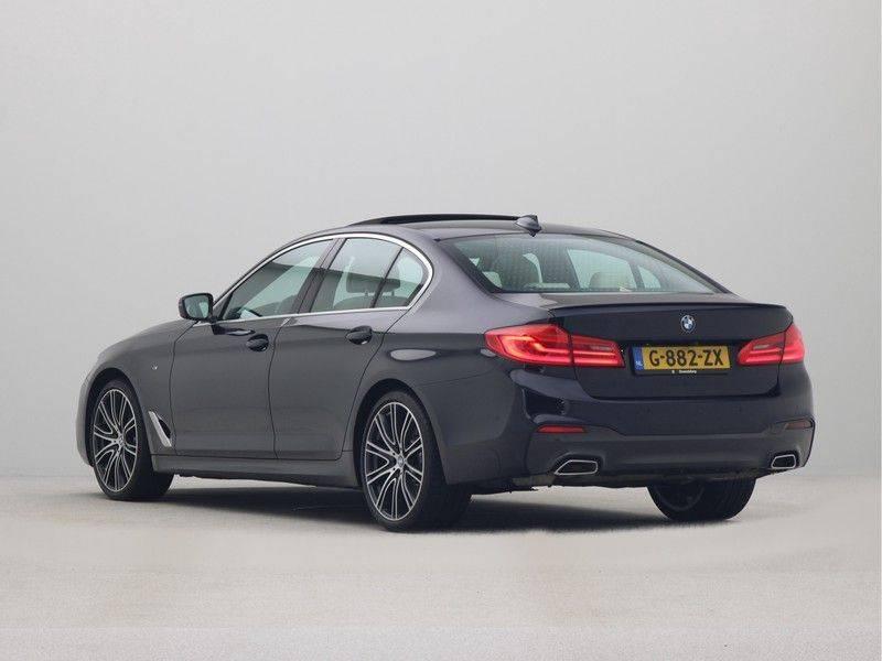 BMW 5 Serie Sedan 540i High Executive M-Sport Automaat afbeelding 11