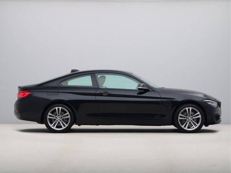 BMW 4 Serie Coupé 435d xDrive High Executive Model Sportline afbeelding 8