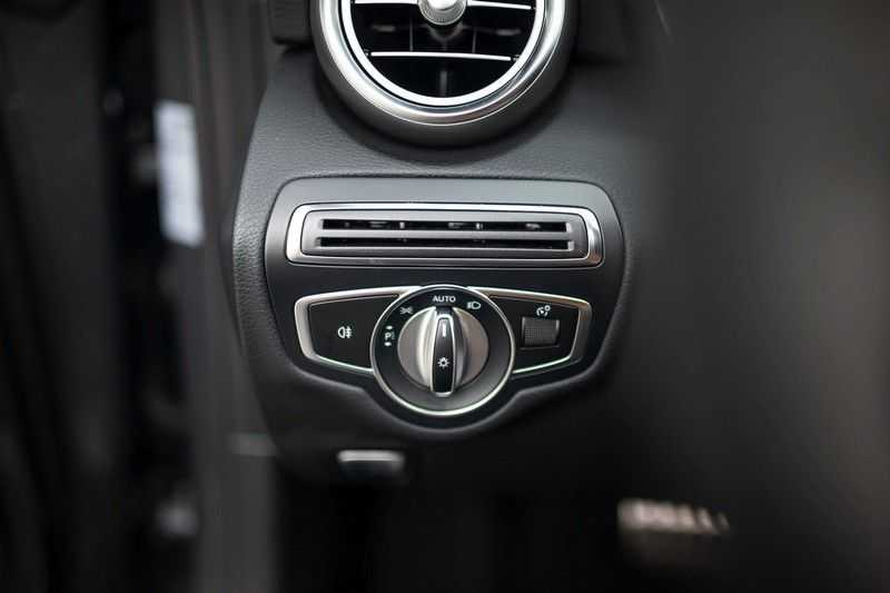 Mercedes-Benz C-Klasse Cabrio 180 Premium *AMG-Line / Airscarf / Keyless Go* afbeelding 23