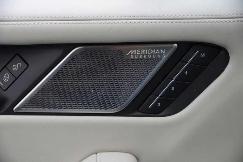 Jaguar I-PACE EV400 First Edition NIEUW uit voorraad leverbaar! / Direct rijden / Full options! afbeelding 24