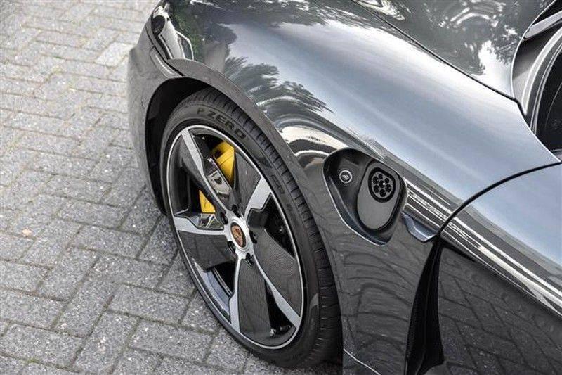 Porsche Taycan TURBO S 761 PK SPORTDESIGN CARBON+TOPVIEW+BURMESTER afbeelding 7