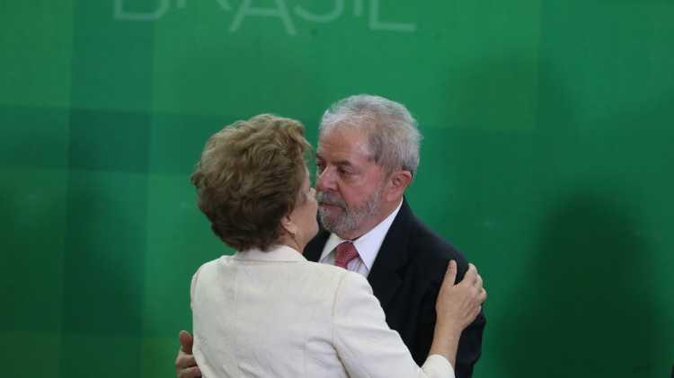 Após grampos, Lava Jato descartou prisão para não tornar Lula 'mártir vivo'