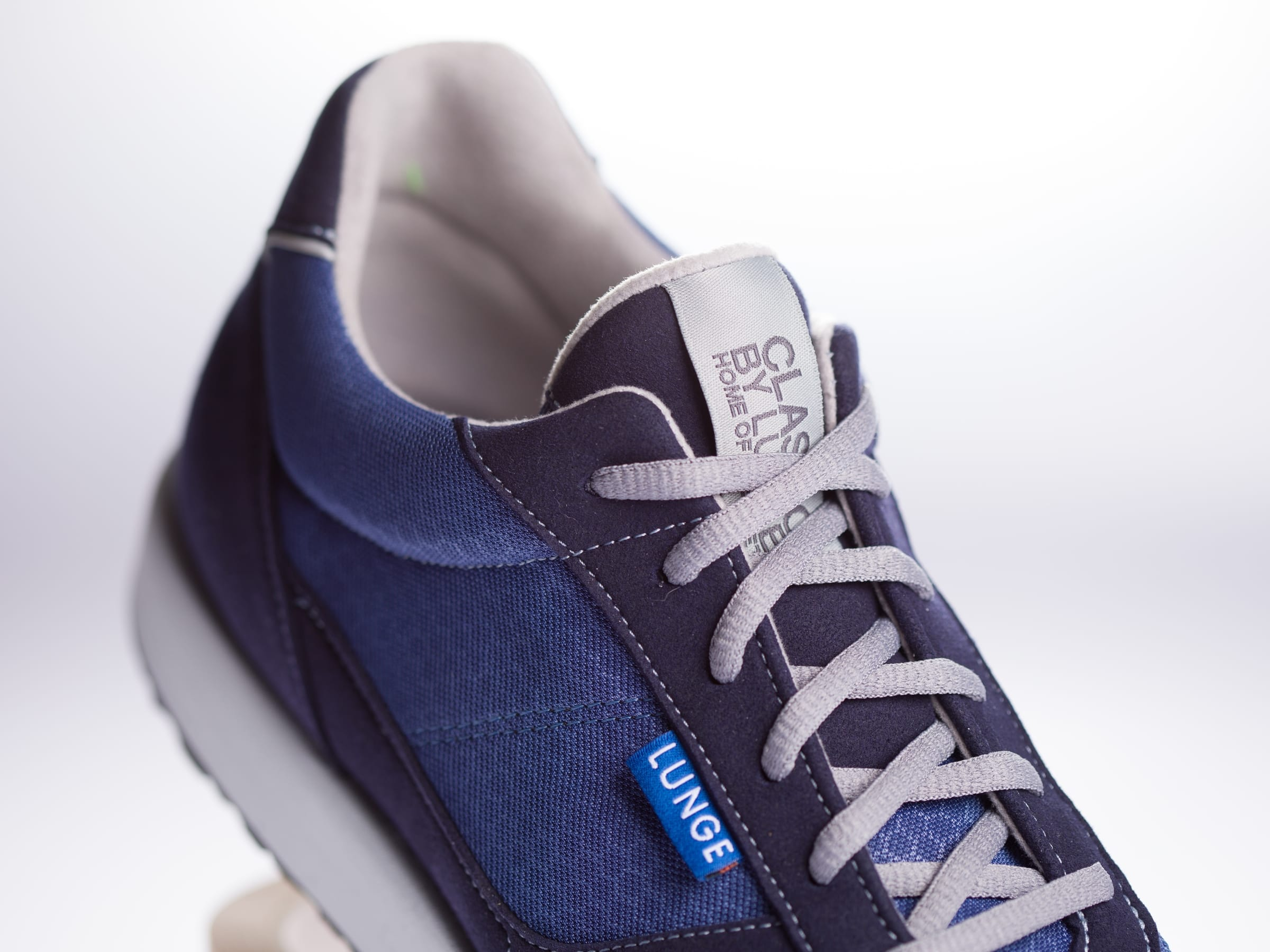 Classic Run in Steel Blue/Navy/Light Gray