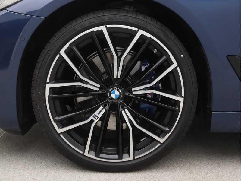 BMW 5 Serie Sedan 530i High Executive M-Sport Automaat afbeelding 18