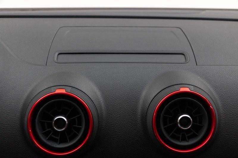 "Audi RS3 Sportback 2.5 TFSI 400pk Quattro Panoramadak BlackOptic B&O Sportstoelen Led-Matrix Navi/MMI DriveSelect Carbon ACC Keyless Camera 19"" Pdc afbeelding 4"