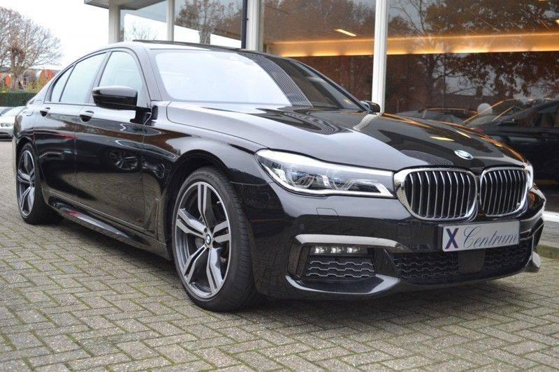 BMW 7 Serie 740d xDrive M sportpakket NP €165.000 afbeelding 2