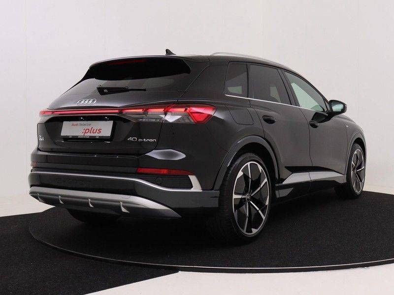 Audi Q4 40 e-tron Launch edition S Competition | Panoramadak | Lederen bekleding | Sonos | Head-up display afbeelding 5