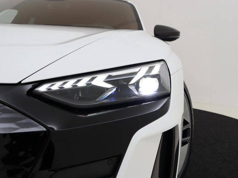 Audi e-tron GT RS   Stoelventilatie/Massage   Head-Up   Carbon   Matrix LED   360 Camera   Nachtzicht   afbeelding 21
