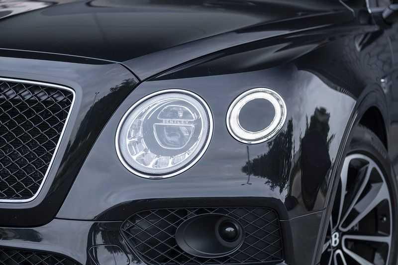 Bentley Bentayga 4.0 D (BTW AUTO) Elektrische trekhaak + Apple Carplay + Adaptive Cruise + Nachtzicht + Werkelijk in nieuwstaat afbeelding 3