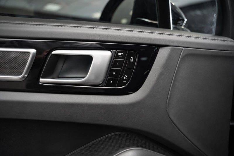 Porsche Cayenne Turbo S Hybrid Burmester Sport Design Sport Uitlaat 4.0 Turbo S E-Hybrid afbeelding 22