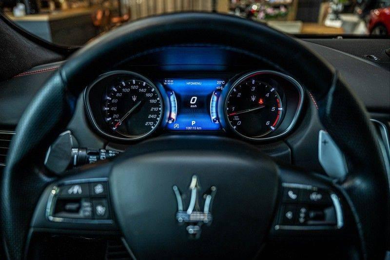 Maserati Levante 3.0 V6 D AWD | BTW | Black pack | Pano | Rood sticksel | Harman Kardon | Voertuigvolgsysteem | Nieuwe onderhoudsbeurt | afbeelding 12