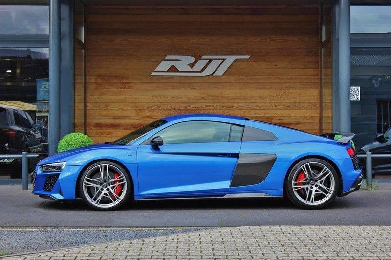 Audi R8 5.2 V10 Performance Quattro 620pk **Keramisch/B&O/Carbon/DAB/Camera** afbeelding 2
