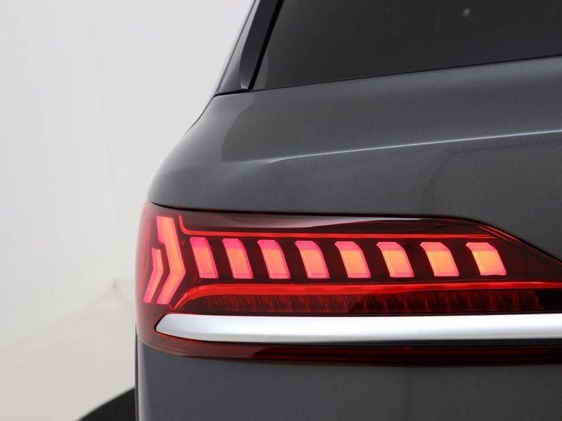 Audi Q7 4.0 TFSI SQ7 quattro 7p 507PK | S-Line | Pano.Dak | 360 Camera | B&O Sound | Keyless-Entry | S-Sportstoelen | Assistentie Tour-City-Parking | 7 Persoons afbeelding 25