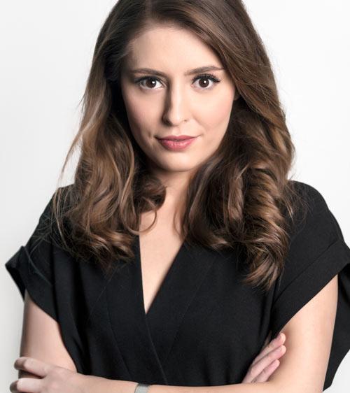 Portrait of Elana Mindru