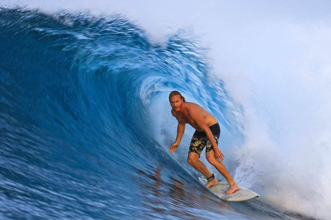 Santana Laut Surf Charter Boat Mentawai Telos Banyak  Surfing