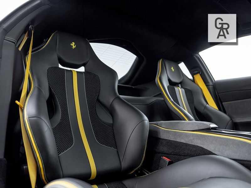 Ferrari 812 Superfast 6.5 V12 HELE   Daytona Carbon Seats   Lift   afbeelding 15