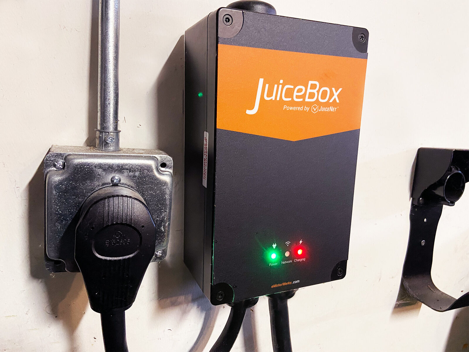 level-2 home charging unit for electric vehicle