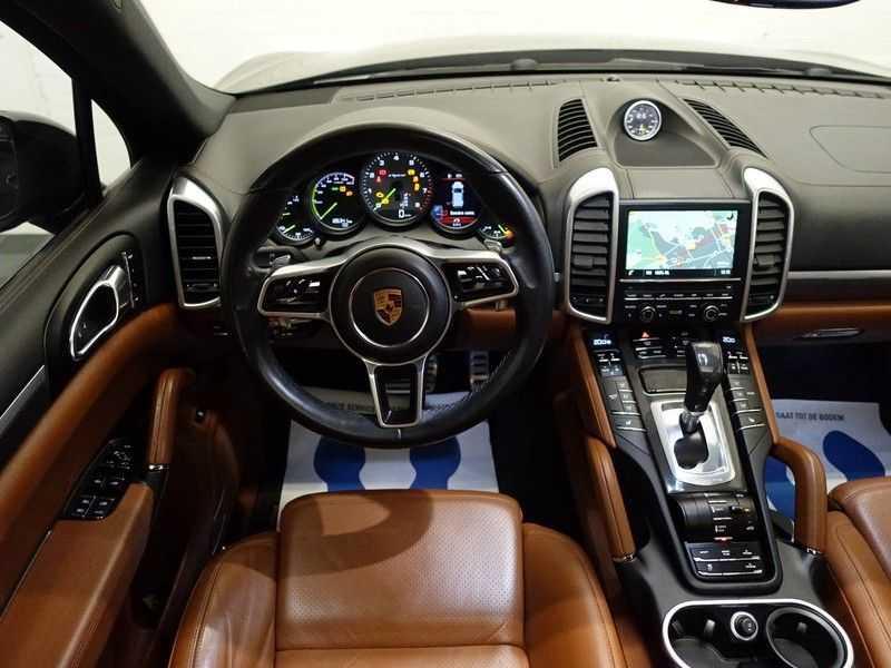 Porsche Cayenne 3.0 S E-Hybrid 334pk Sport Chrono Aut- Panodak, Bose, Leer, Camera, Full! afbeelding 11