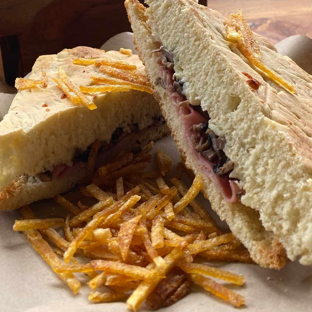 sandwiches: panino parigino