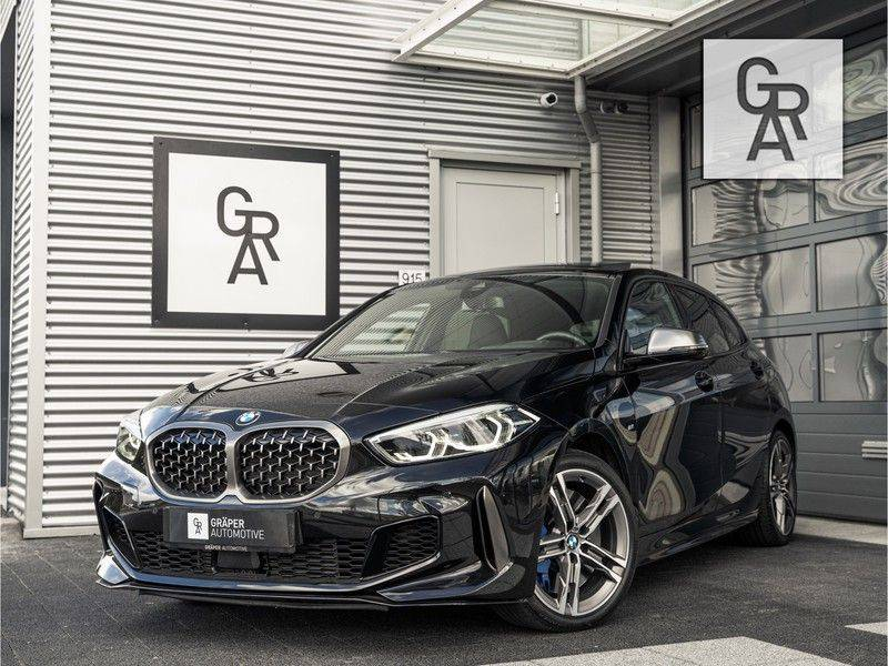 BMW 1 Serie M135i xDrive High Executive afbeelding 1