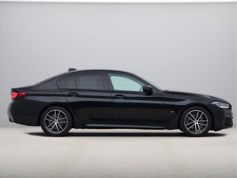 BMW 5 Serie 520d Sedan High Exe M-Sport afbeelding 8