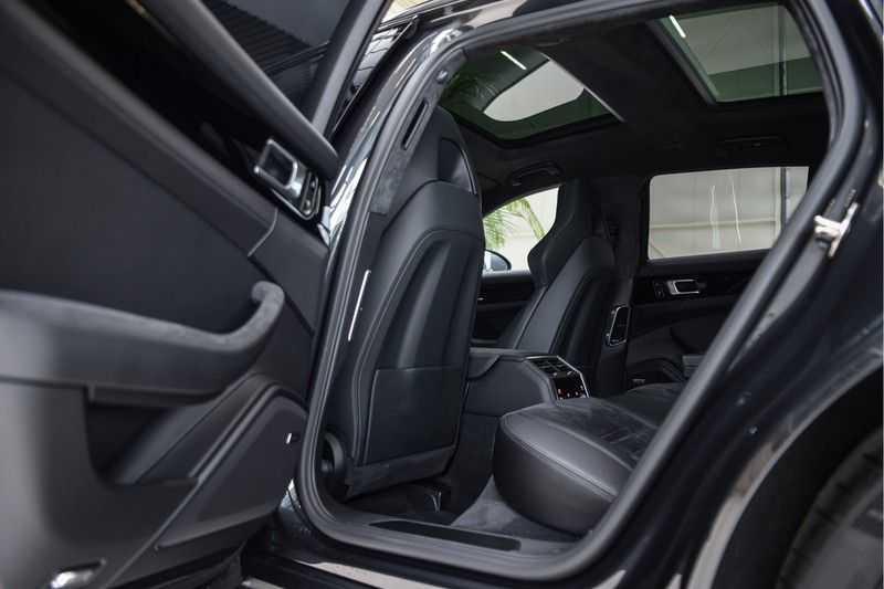 Porsche Panamera GTS Sport Turismo 4.0 | BOSE | Panorama | Alcantara | Comforttoegang | PDLS | PASM afbeelding 17