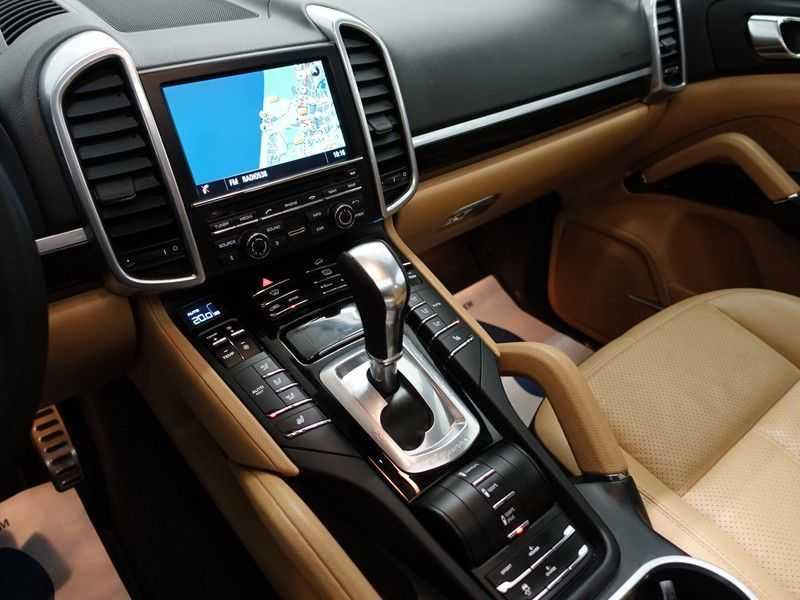 Porsche Cayenne 3.0 S E-Hybrid Sport 334pk Autom Bi Colour Leder, Panodak, Navi, Xenon Led afbeelding 2