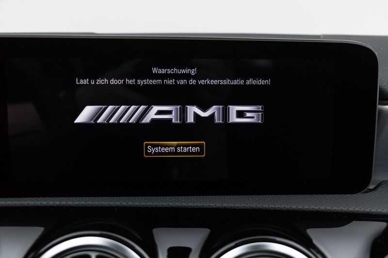 "Mercedes-Benz A-Klasse Limousine A35 AMG 306pk 4Matic Panoramadak Nightpakket Schaalstoelen Multibeam Head-Up Widescreen Burmester AmbientLight SuperSportStuur ComandOnline Full-Led 19"" Parktronic 360Camera Pdc afbeelding 22"