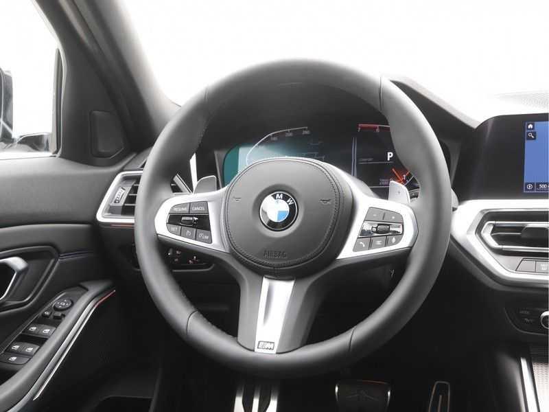 BMW 3 Serie Sedan 320i High Executive M-Sport Automaat afbeelding 11
