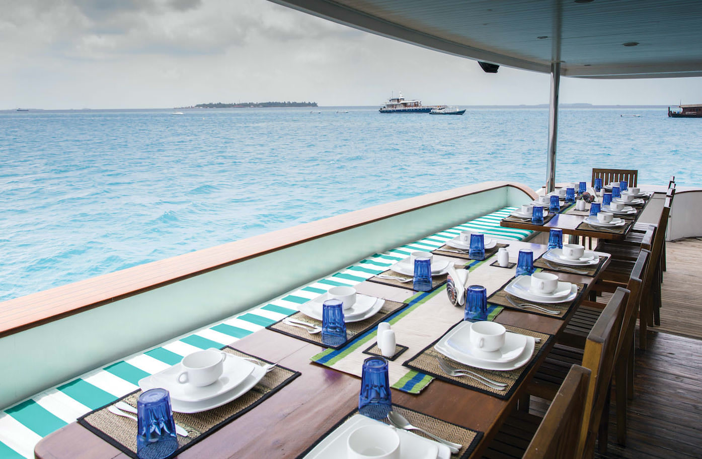 Honors Legacy luxury motor yacht surf charter for Maldives Atolls dining