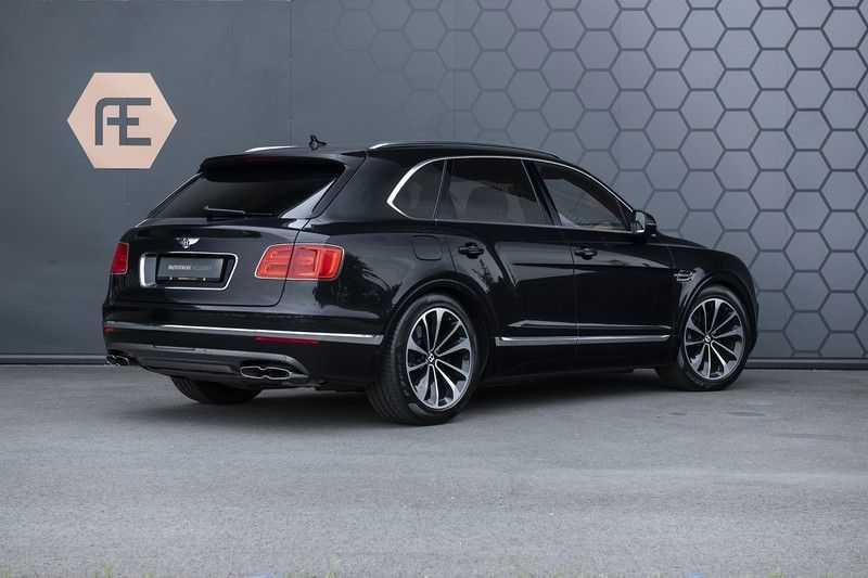 Bentley Bentayga 4.0 D (BTW AUTO) Elektrische trekhaak + Apple Carplay + Adaptive Cruise + Nachtzicht + Werkelijk in nieuwstaat afbeelding 8