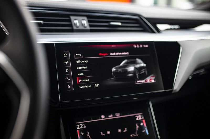 "Audi e-tron 55 Quattro *4% Bijtelling / Hulppakket Stad & Tour / 22"" / Topview* afbeelding 13"