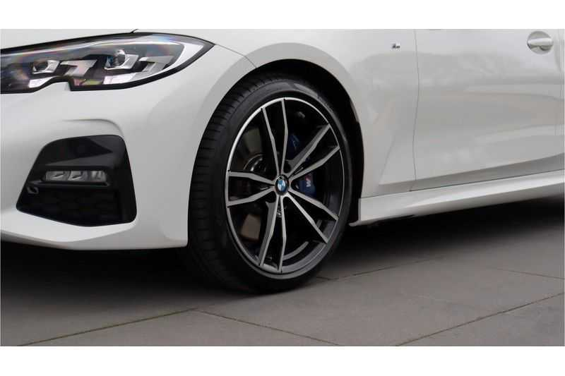 BMW 3 Serie Touring 330i Executive M Sport Adaptieve Cruise Control, HiFi System, DAB afbeelding 7